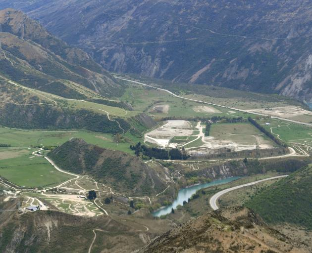 The Victoria Flats landfill sits beside the Kawarau River. Photo: Stephen Jaquiery