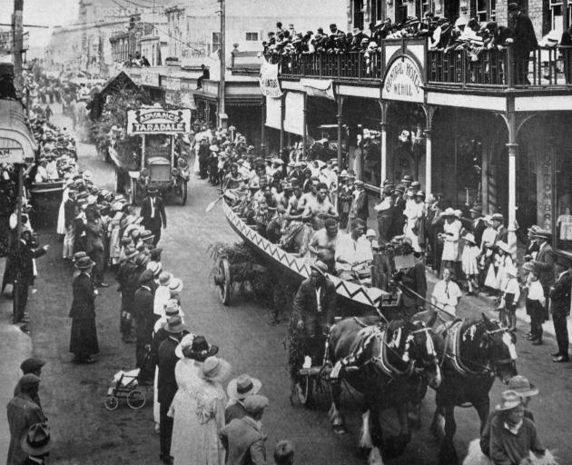 Floats from the Maori community and the Taradale district in a Mardi Gras parade at Napier. - Otago Witness, 13.1.1920.