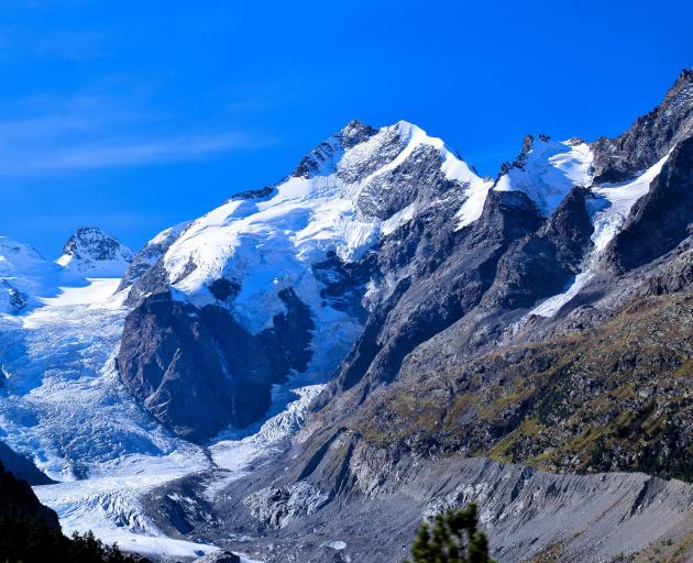 Alpine mountains and glaciers are frequently close to the railway. Photos: Roy Sinclair