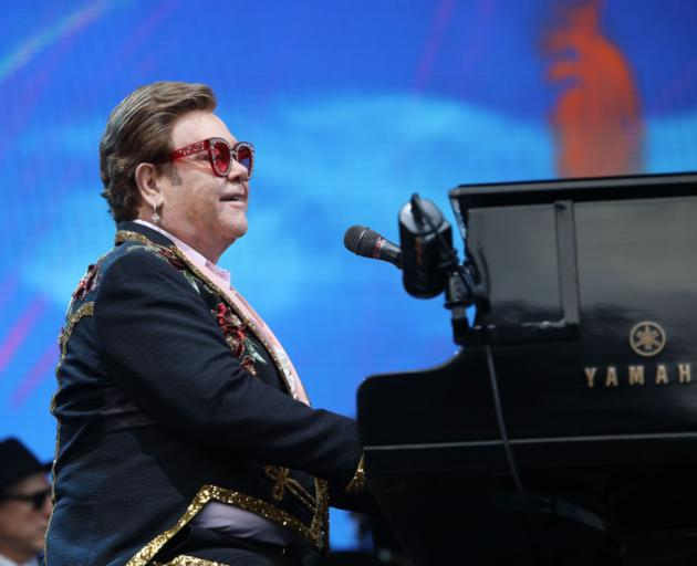 Sir Elton John managed to sing 16 out of 25 songs before needing to abandon Sunday night's show...