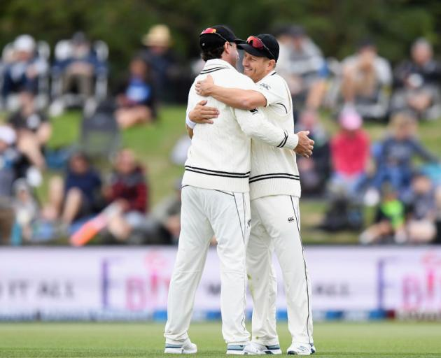 Colin de Grandhomme and Neil Wagner celebrate. Photo: Getty Images