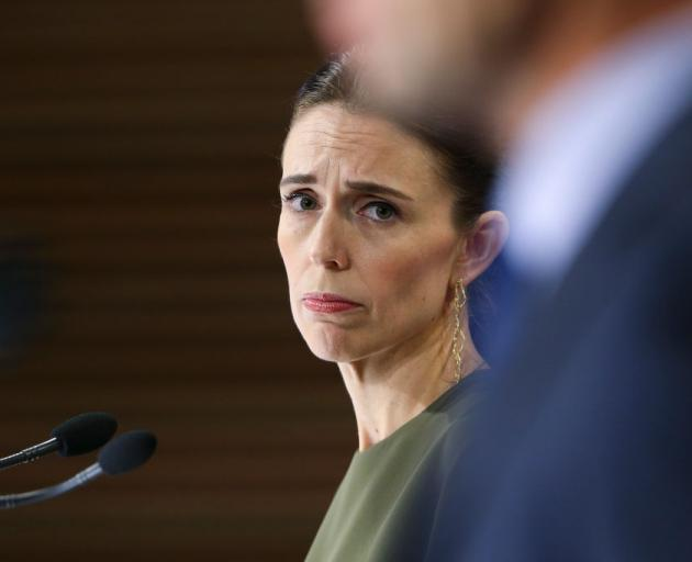 New Zealand election: Ardern resists calls for delay amid Covid-19 outbreak