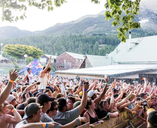 New Zealand's population passes 5 million