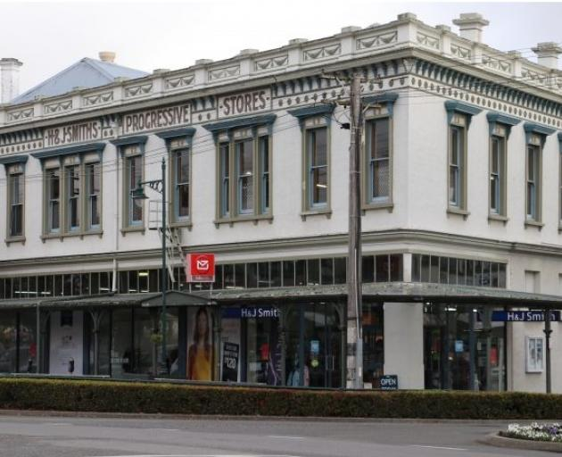H&J Smith in Gore will be downsizing, while stores in Balclutha and Te Anau will close outright....