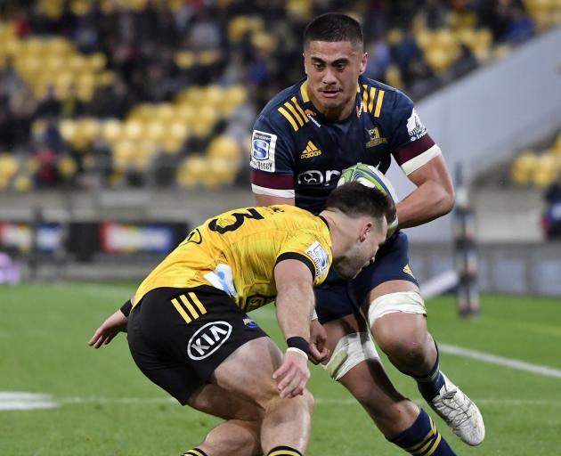 New Zealand: Hurricanes hold off Highlanders for 'massive' Super Rugby win