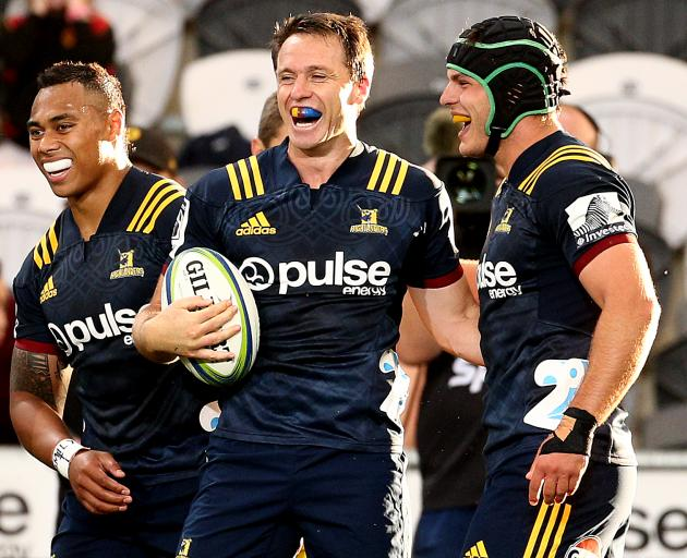 Ben Smith of the Highlanders celebrates his try during the Round 2 Super Rugby match between the Otago Highlanders and Queensland Reds at Forsyth Barr Stadium on February 22, 2019. Photo: Getty Images