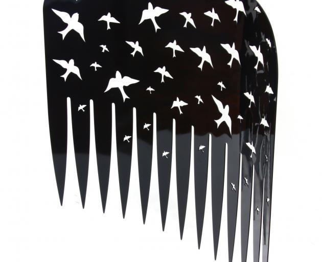 Lonnie Hutchinson's 'comb (black)'