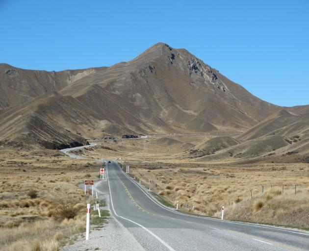 The Lindis Pass and State Highway 8.