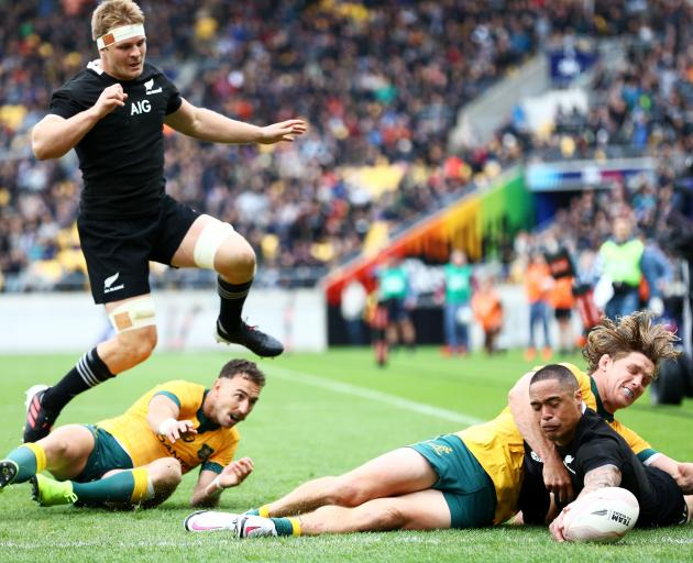 Aaron Smith crosses the line for the All Blacks. Photo: Getty Images