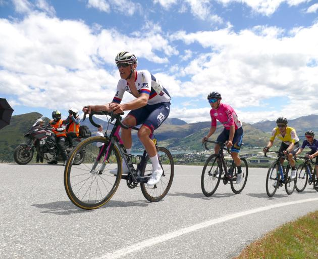 Michael Vink (Transport Engineering Southland-Talley's) leads the peloton up The Remarkables...