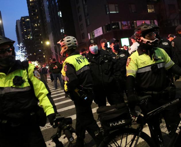 6 injured in Midtown, police say vehicle struck pedestrians