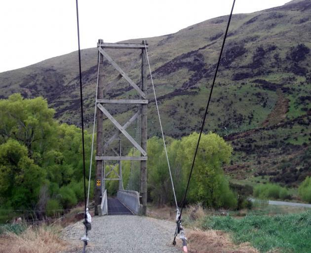 A ''Golden Gate'' suspension bridge.