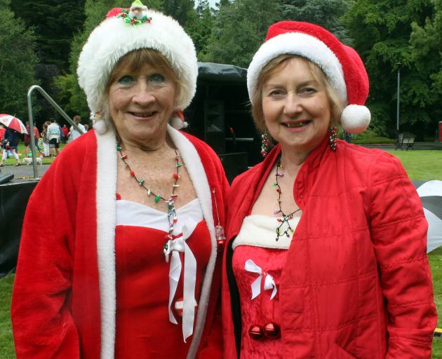 Yvonne Gawn (left) and Jenny Fraser dress up for the occasion.