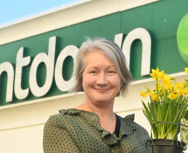Dunedin woman Tracey Gamble is keen to give daffodils to plant in the garden at Countdown Dunedin...