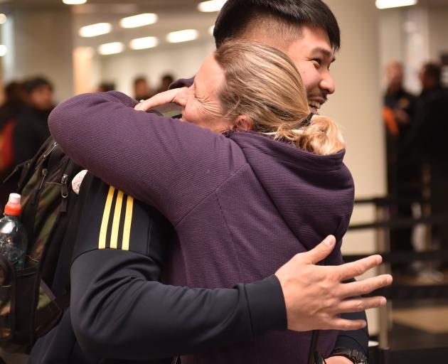 Highlander Kazuki Himeno is farewelled by his ''adoptive mother'', Gillian Sugiyama.