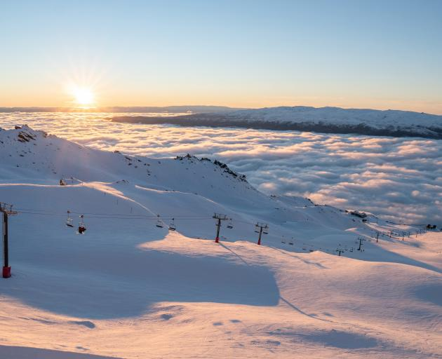 Cardrona has cruisy, open, undulating, perfectly-groomed pistes, mellow basins and world-class...