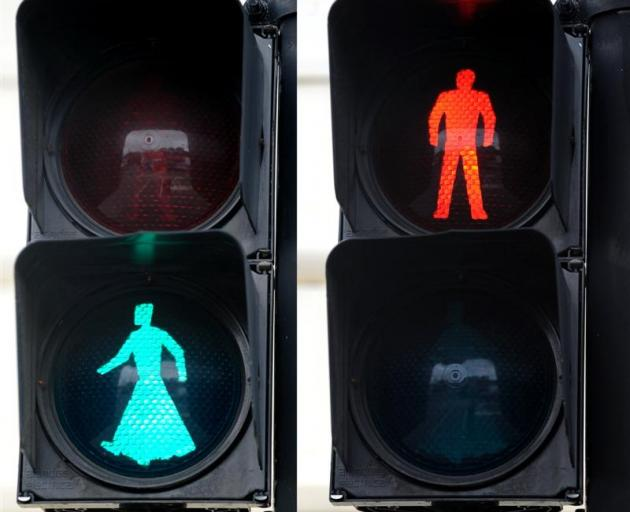 The modified pedestrian crossing signal at the corner of Manse and High Sts, Dunedin.  Photo by...