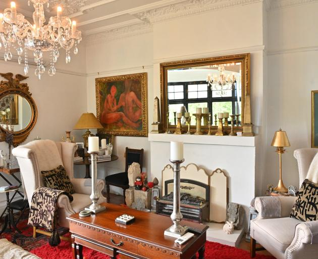 When the Scorgies moved in, the front drawing room had blue walls and a red fireplace. ''I wanted...