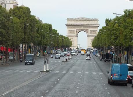 Snapping the Arc d'Triomphe is easy from an open-topped bus. PHOTOS: GILLIAN VINE