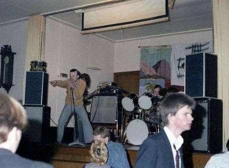 Chris Knox (left) fronts The Enemy at the Old Beneficiaries Hall in 1978. Photo: Jeff Bates