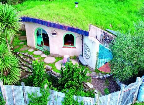 The home is named Piwakawaka, the Maori name for fantail.