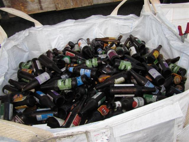 aawanaka_wastebusters_bottles_are_sorted_for_recycli_555ec4cef2.JPG