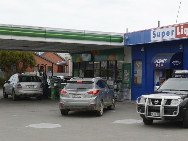 Cumberland St Super Liquor, next to a service station forecourt, seeks renewal of its licence...