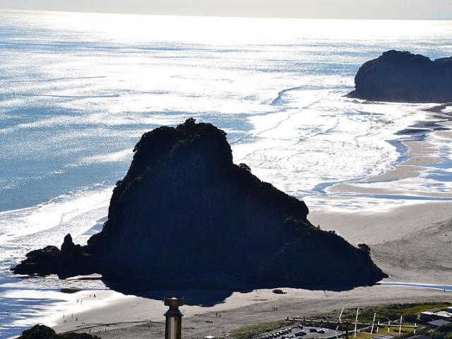 The body of a young boy who went missing at Piha beach at the weekend has been found on the rocks...