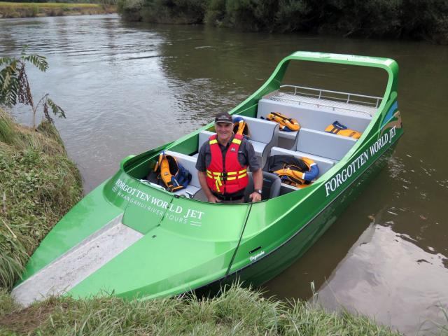 Robert Carter, of Forgotten World Jet, on the Whanganui River.