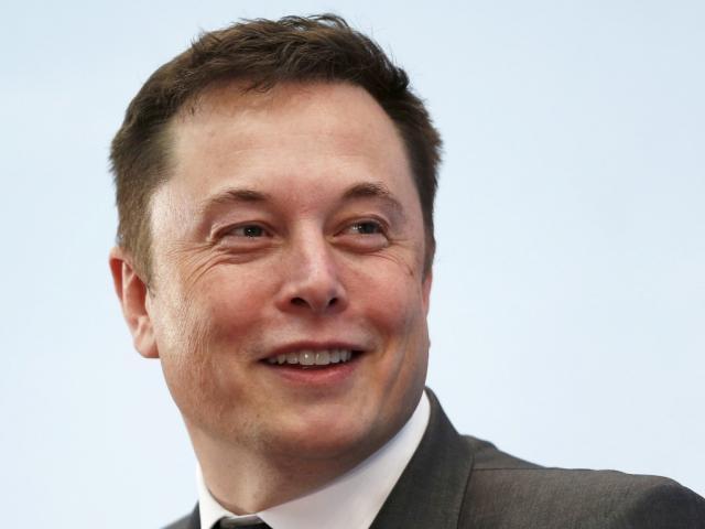 Tesla pledges Aussies 100mw battery in 100 days