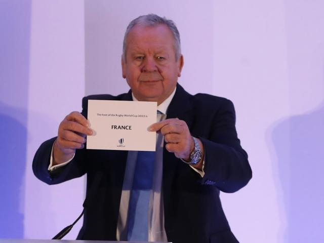 Bill Beaumont unveils France as the host for the 2023 Rugby World Cup. Photo: Getty Images