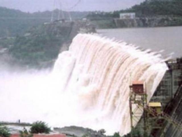 The dam gave way in Solai, in Nakuru county, 190 kilometres northwest of Nairobi,Kenya, late on Wednesday. Photo: Twitter