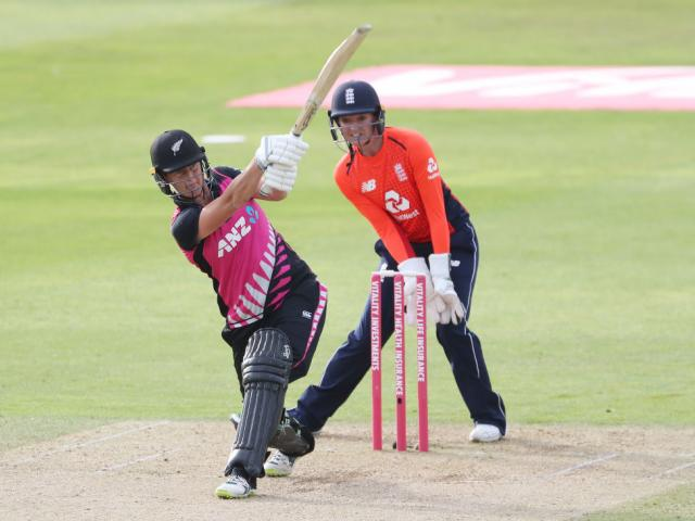 Opener Sophie Devine got the run chase off to a fast start but it wasn't enough for New Zealand....