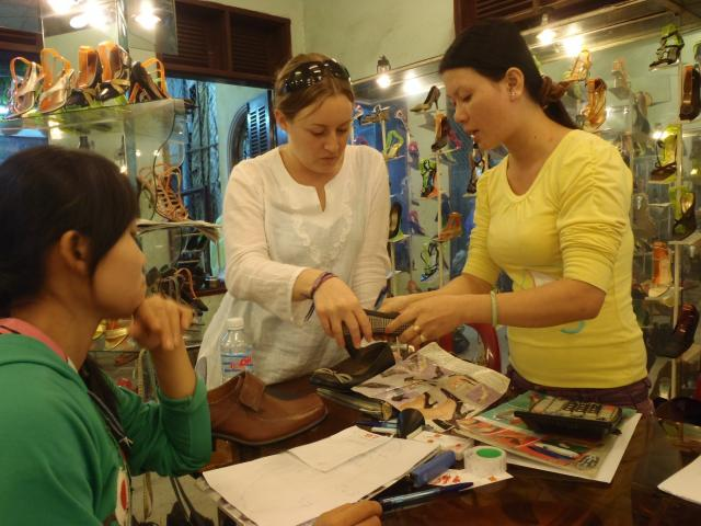 Amber, Hoi An haggling