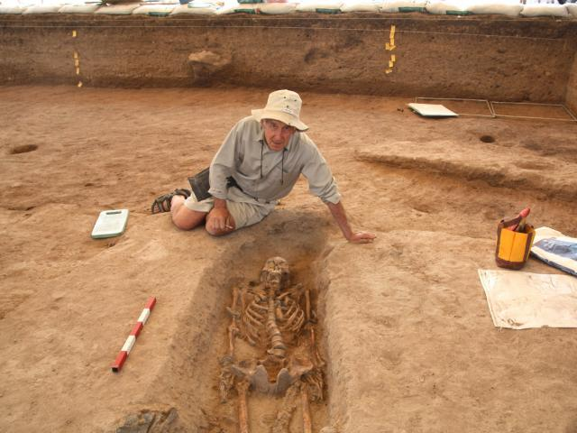 University of Otago archaeologist Prof Charles Higham with a 1600-year-old skeleton, at Non Ban...