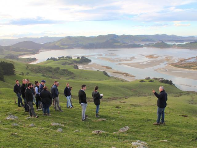 Participants in the Beef + Lamb New Zealand Generation Next programme visit Brendon and Paula...