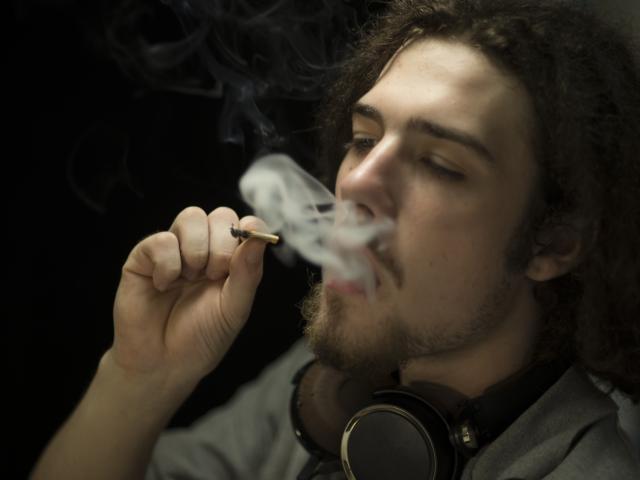 cannabis-0smoking-joint-istock.jpg