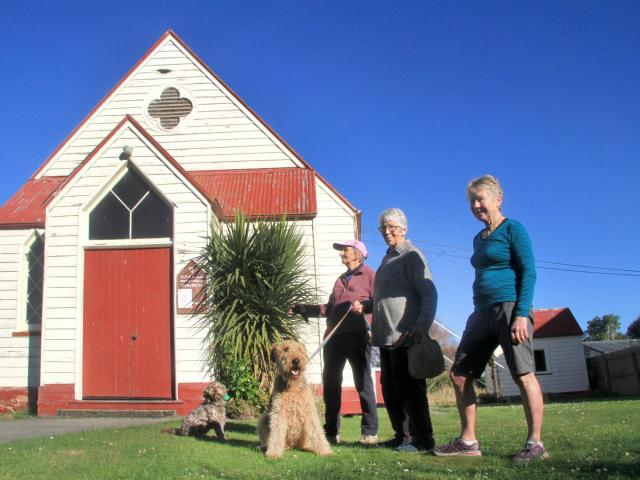 Lamenting the decay of the St Paul's Maheno Otepopo Presbyterian Church in Kakanui are (from left...