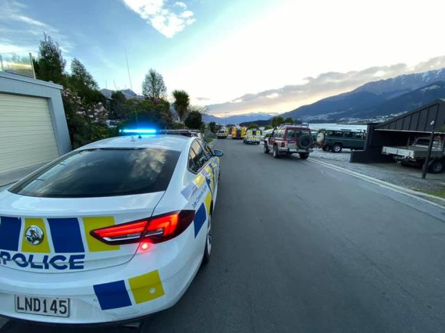 Firefighters quickly contained a fire in Queenstown this evening. Photo: NZ Police