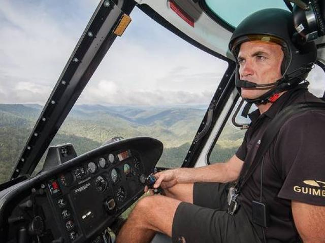 Kāhu NZ pilot Mark Law led a rescue mission by private helicopter pilots to help the injured...