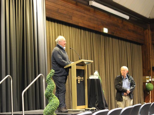 Ken Cochrane (left) made the comments at a meeting of the Southalnd Recreational Whitebaiters...