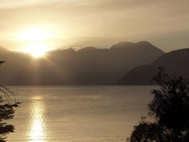 A breathtaking sunset over Lake Manapouri on our final night compensated for the views we missed...