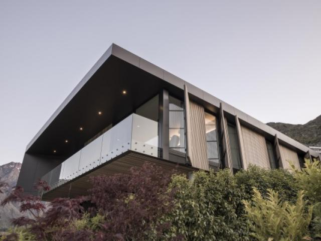 This Kawarau Falls home sold to an Aucklander for $6.75m in a deal brokered by NZ Sotheby's...