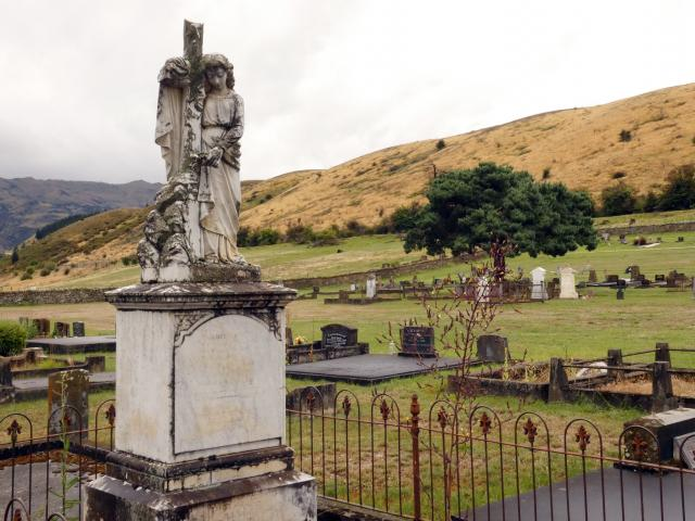 Clyde Cemetery. PHOTO: Jared Morgan