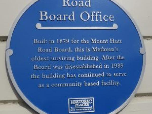 The blue plaque on the building. Photo: Supplied