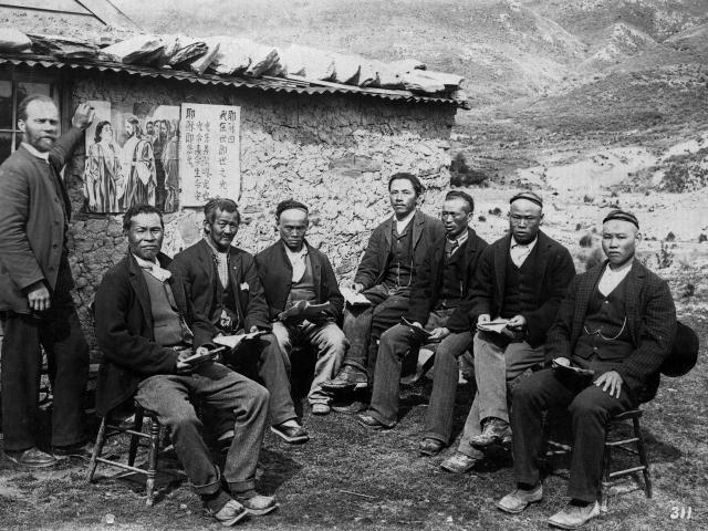 Chinese gold miners in Otago were subjected to racism. Photo: Alexander Turnbull Library