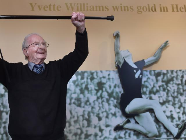 Ron Waugh reminisces about his trip to Helsinki where he saw Yvette Williams win long jump gold...