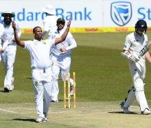 Vernon Philander takes the wicket of Mitchell Santner. Photo: Getty Images