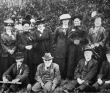 Some old identities and some of the committee of the first picnic of the Port Chalmers Old...