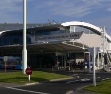An Airport Security dog has been shot after causing delays to 16 flights at Auckland Airport...